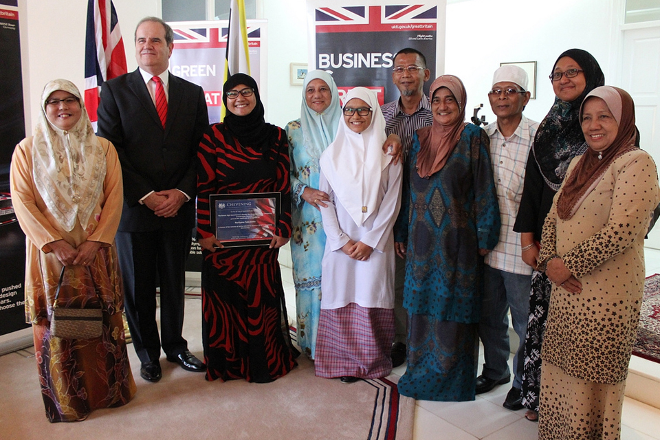 Mr David Campbell with Datin Adina, Fatin Arifin and her family.