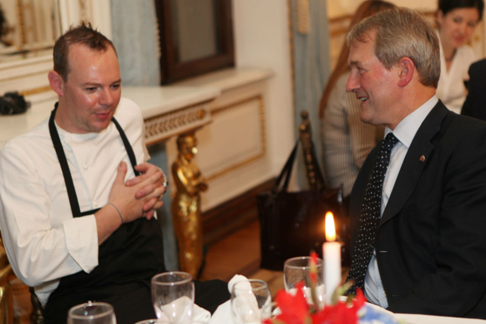 Owen Paterson meets chef, Daniel Phippard