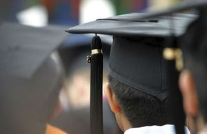 Graduates (© Thinkstock)