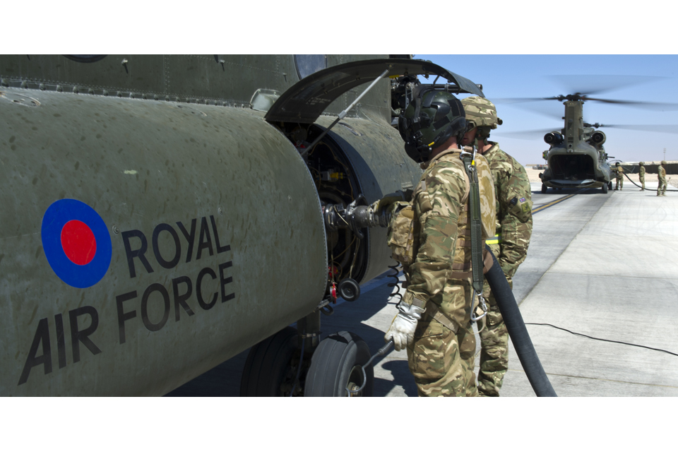 Chinook helicopter refuelling