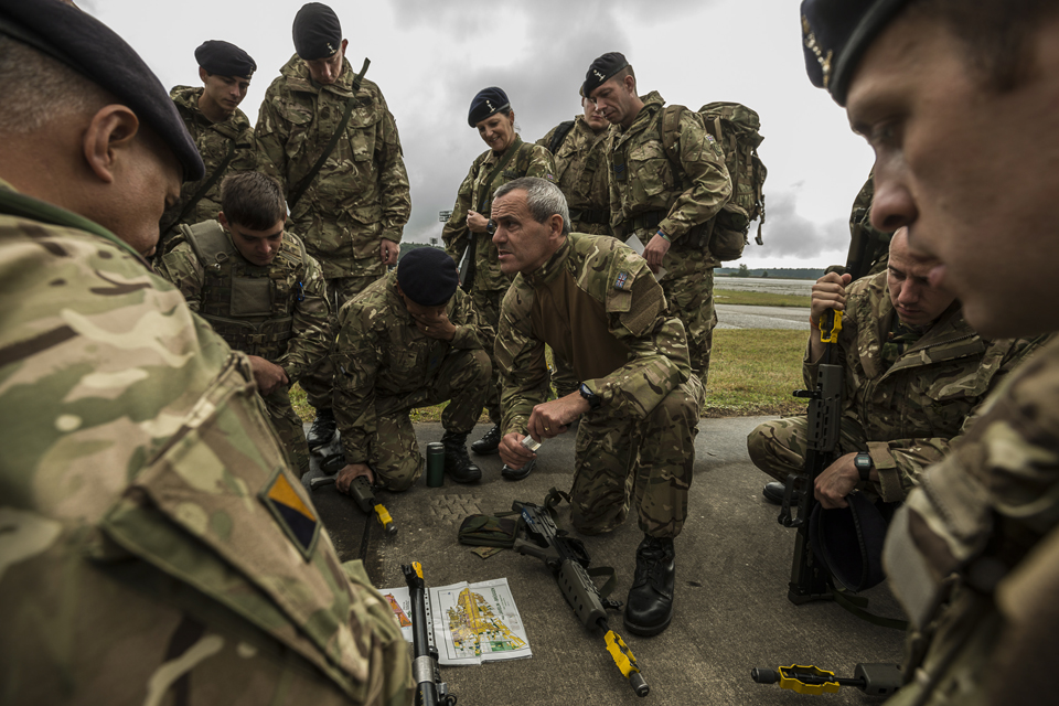 Reservist and regular soldiers training together in Germany