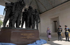 The Bomber Command Memorial, designed by Liam O'Connor, is built in Portland stone and features a 2.7-metre-high sculpture of seven aircrew in bronze