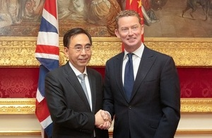Minister Barker and the Governor of Guangdong (People's Republic of China), Zhu Xiaodan.