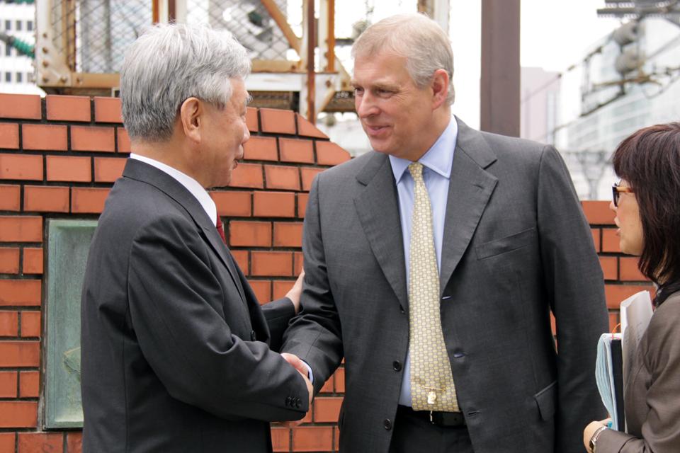 His Royal Highness The Duke of York shakes hands with JR Central Chairman Mr Yoshiyuki Kasai
