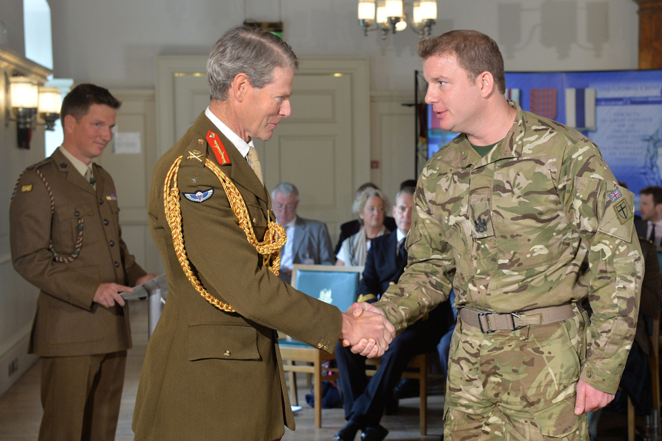 Lieutenant General Adrian Bradshaw with Warrant Officer Class 1 Andy Peat