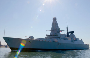HMS Defender sails into Portsmouth