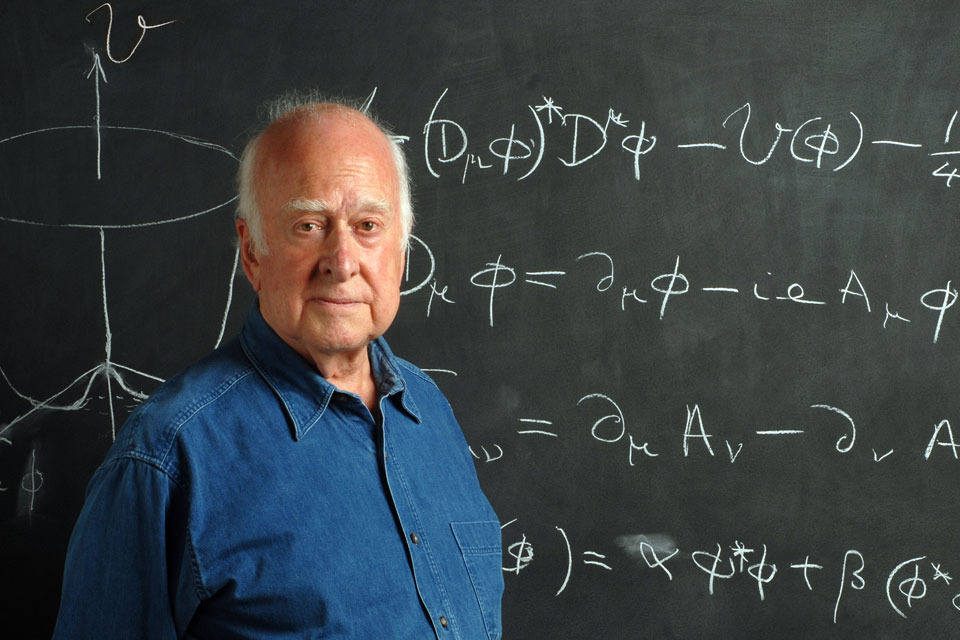 El profesor británico Peter Higgs recibe el Premio Nobel de Física 2013 -  GOV.UK