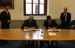 Mr. Julio Moreira Morán, Uruguayan Ambassador to London, and Mr. David Gauke, Exchequer Secretary to the Treasury.