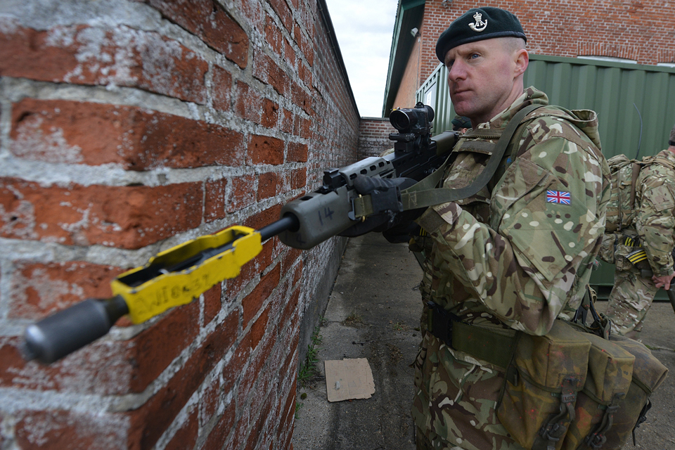 A British Army reservist from 7 RIFLES