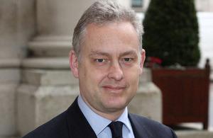 El nuevo embajador del Reino Unido Simon Manley