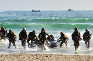 A joint forces beach assault [Picture: Leading Airman (Photographer) Arron Hoare, Crown copyright]