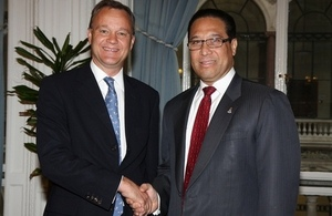 OT Minister Mark Simmonds and Cayman Premier Alden McLaughlin