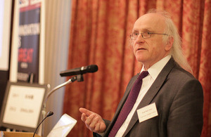 Professor Nick Tyler speakes at a public seminar at the British Embasy Tokyo
