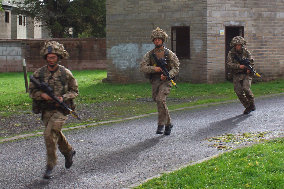 Soldiers exercise on Salisbury Plain
