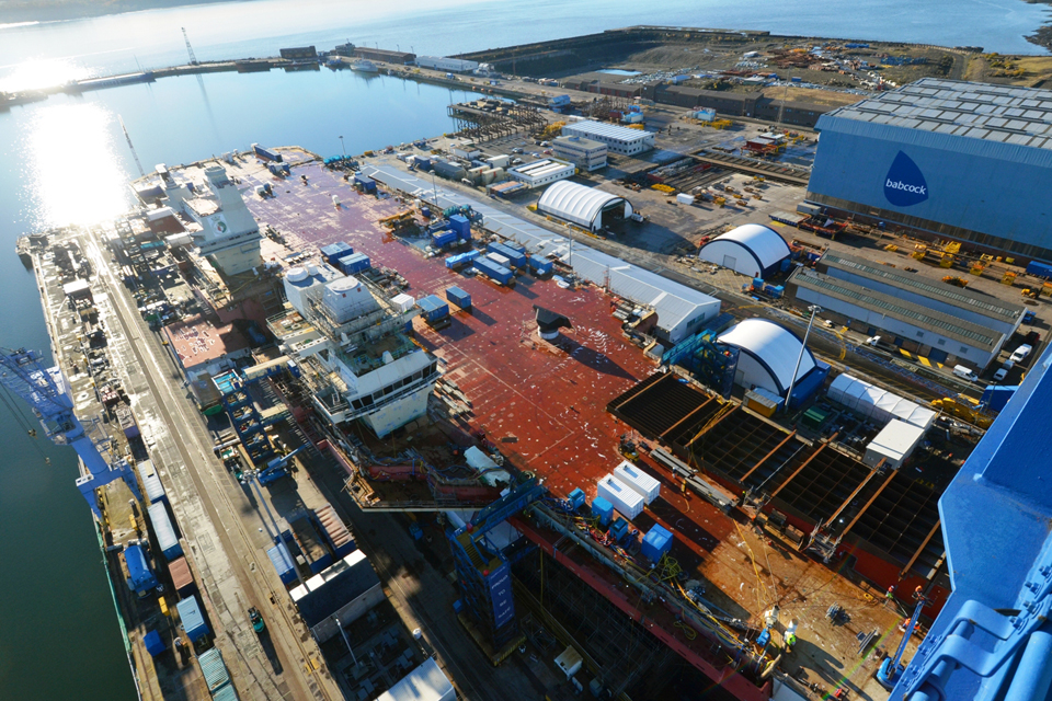 The forward ramp section in place on the Queen Elizabeth