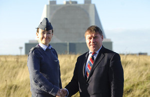 Wing Commander Rayna Owens welcomes Armed Forces Minister Mark Francois to RAF Fylingdales [Picture: Senior Aircraftman Mark Parkinson, Crown copyright]