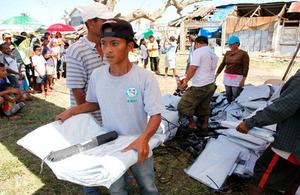 Lifesaving British aid reaches remote Philippines islands