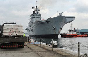 HMS Illustrious arrives in Singapore [Picture: Petty Officer Airman (Photographer) Ray Jones, Crown copyright]