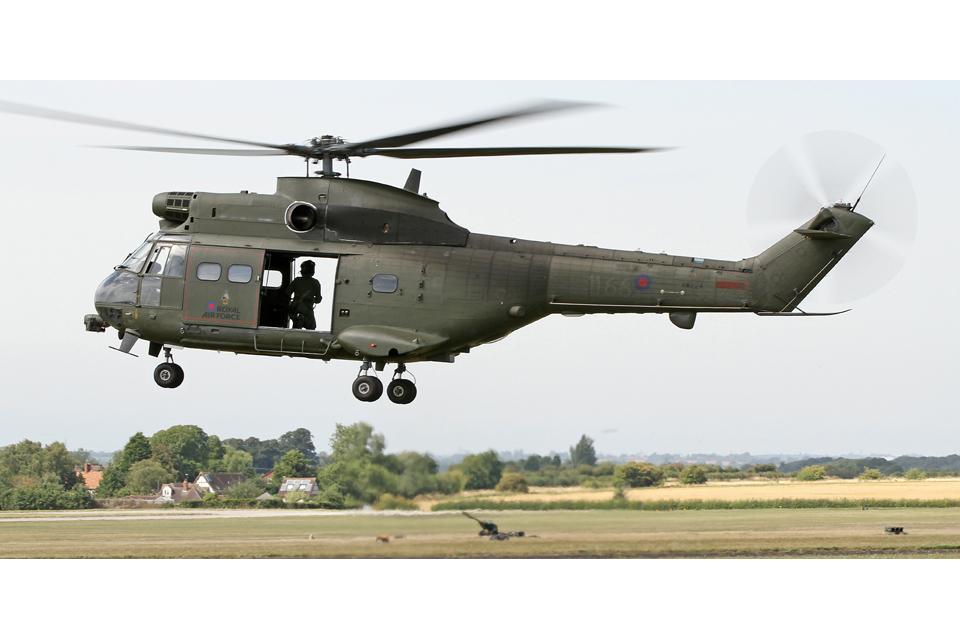 Taxi golf Sencillez  Upgraded RAF Puma takes to the skies - GOV.UK