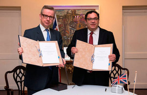 The UK's Secretary of State for Education, Michael Gove, signed an agreement with his Israeli counterpart Rabbi Shai Piron to increase the two countries' cooperation on English language training.