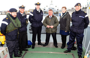 Armed Forces Minister Mark Francois with sailors on board HMS Scimitar [Picture: Corporal Scott Robertson RAF, Crown copyright]