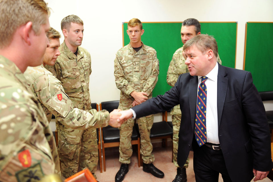 Mark Francois meeting soldiers