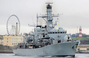 HMS Somerset sails past Plymouth Hoe