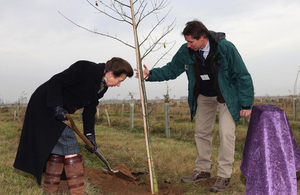 Princess Anne plants the final tree at Loggy's Diamond Wood [Picture: Woodland Trust]