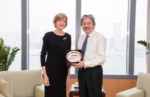 The Lord Mayor Alderman Fiona Woolf met Hong Kong Financial Secretary John Tsang