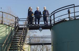 David Cameron visits an IGas site in Gainsborough