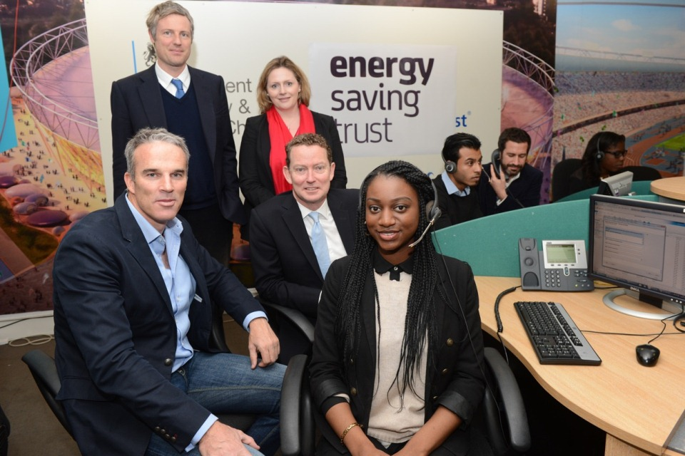 Minister Greg Barker, Zac Goldsmith, Mary Macleod, Lewis Pugh and Oliver Heath with ESAS call handler at the Energy Saving Advice Service.