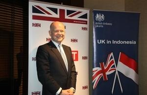 UK Foreign Secretary William Hague Visited Indonesia