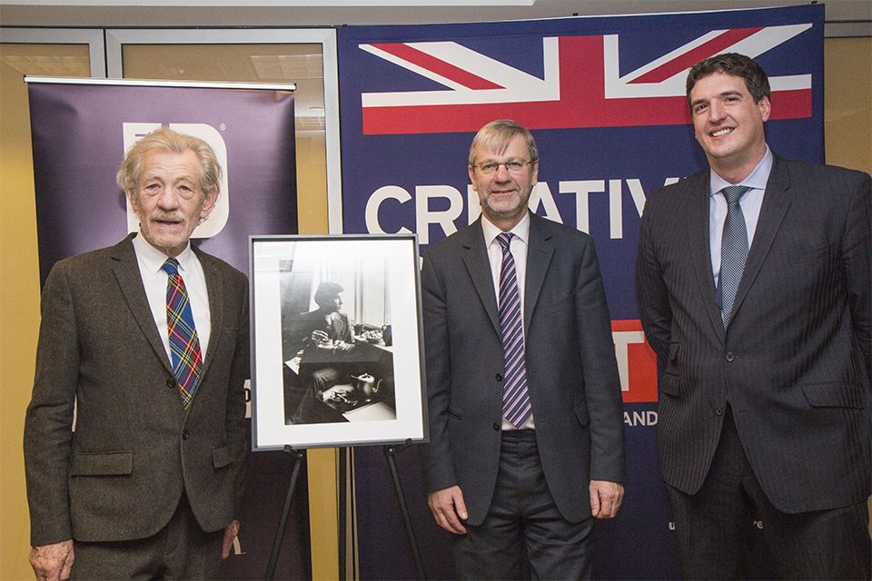 From left to right: Sir Ian McKellen, Professor Pete Downes, Vice Chancellor of the University of Dundee, and Deputy Consul General Nick Astbury.