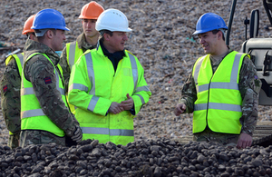 Prime Minister David Cameron visits Chesil Beach to see the work being done by the Environment Agency and 39 Engineer Regiment [Picture: Sergeant Russ Nolan RLC, Crown copyright]