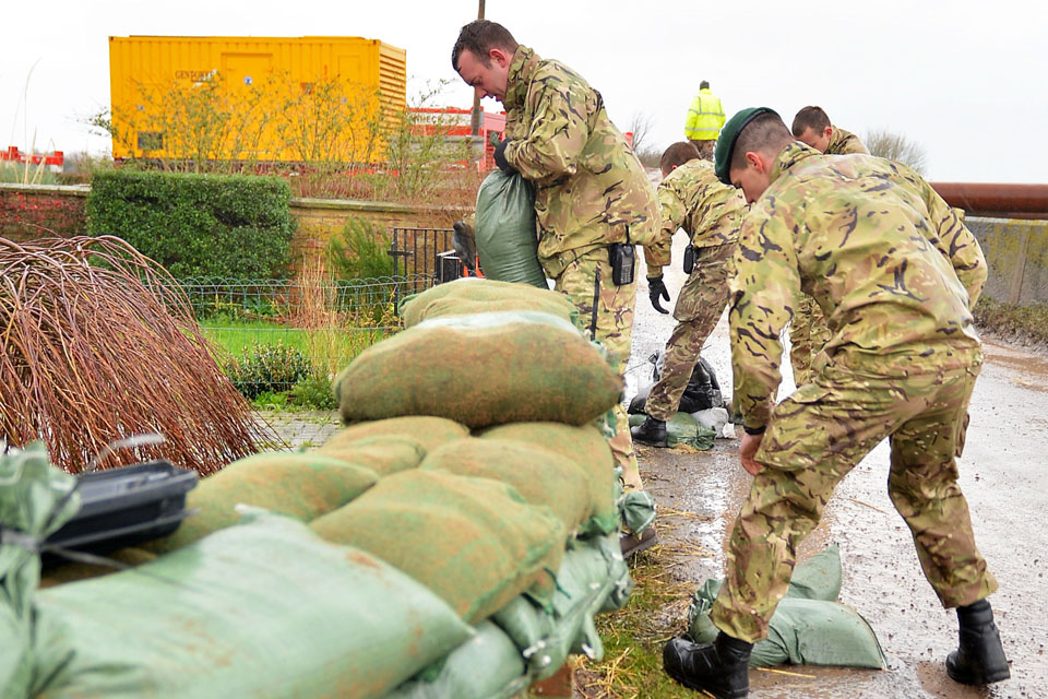 Royal Marines help to build flood defences in Oxfordshire