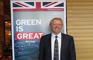 英國氣候變遷特別代表大衛金恩爵士(Sir David King)訪台,分享英國轉型為低碳經濟體的經驗。