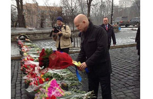 The Foreign Secretary visiting the central square in Kyiv