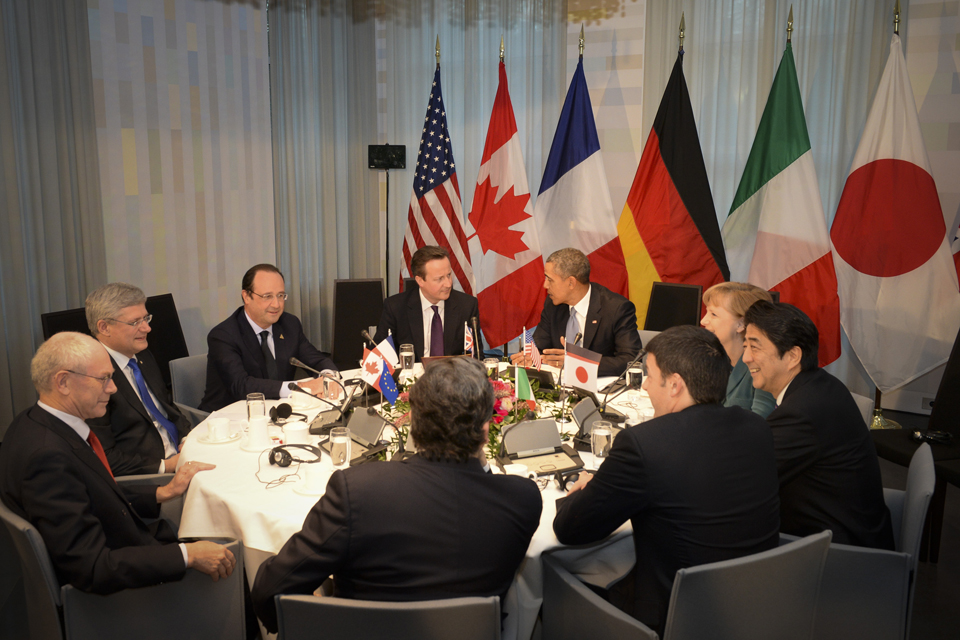 David Cameron and other world leaders round a table.
