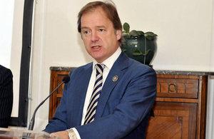 Ministro para Latinoamérica Sr. Hugo Swire