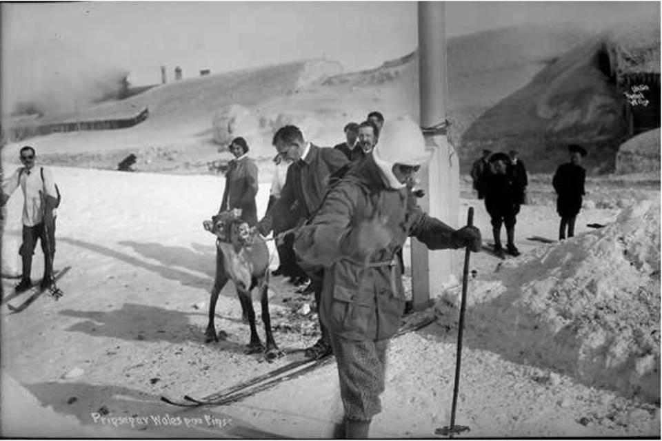 Prince of Wales skiing at Finse