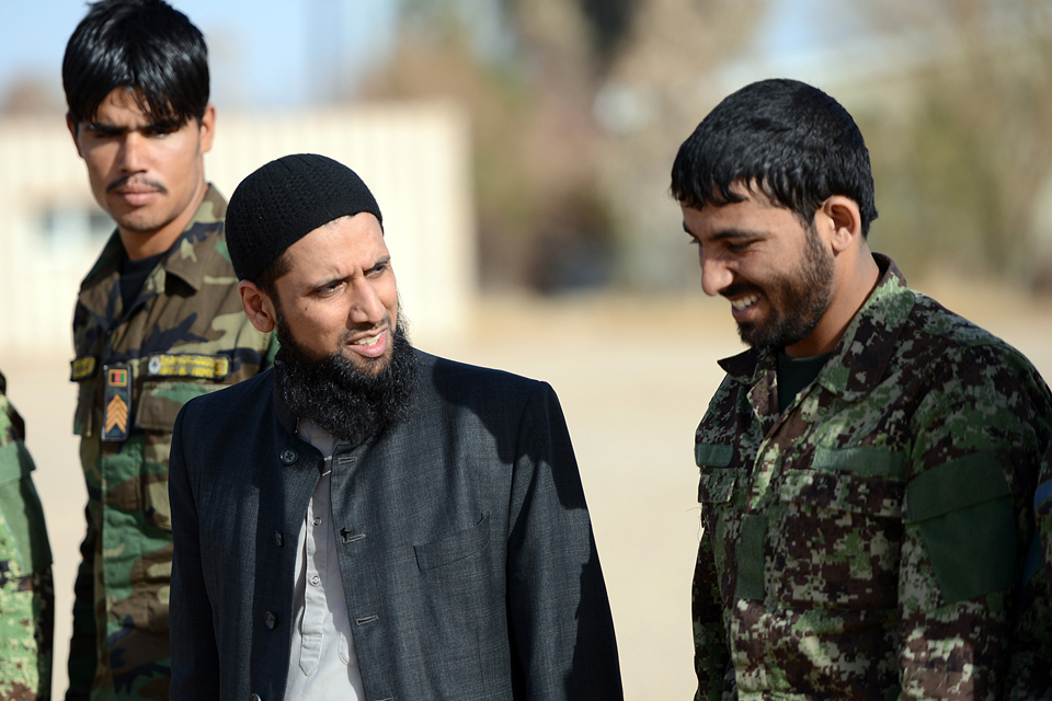 Imam Asim Hafiz meets Afghan troops