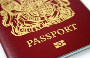 海外申請英國護照的費用調降