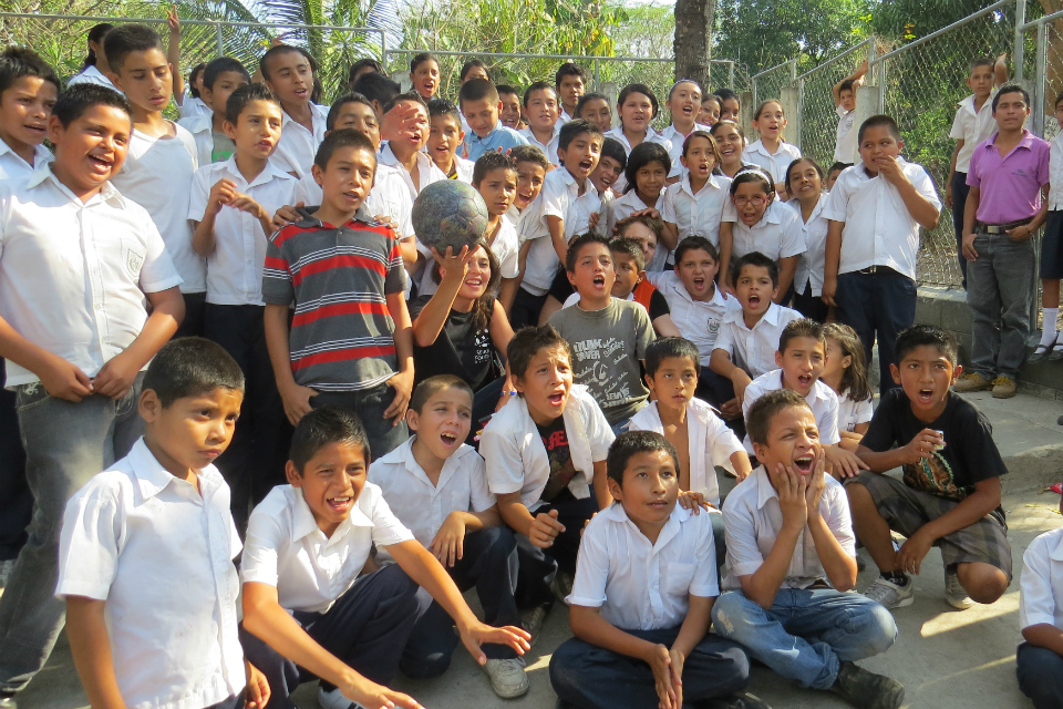 "Kids from Centro Escolar ""Las Flores"""