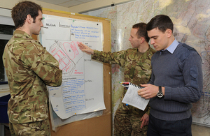 Army reservists work together with RAF officers on a military intelligence exercise [Picture: Corporal Lynny Cash RAF, Crown copyright]