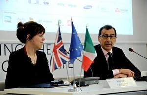 UK Commissioner General Hannah Corbett and Giuseppe Sala, Commissioner of the Italian Government for Expo Milano 2015 signing contract
