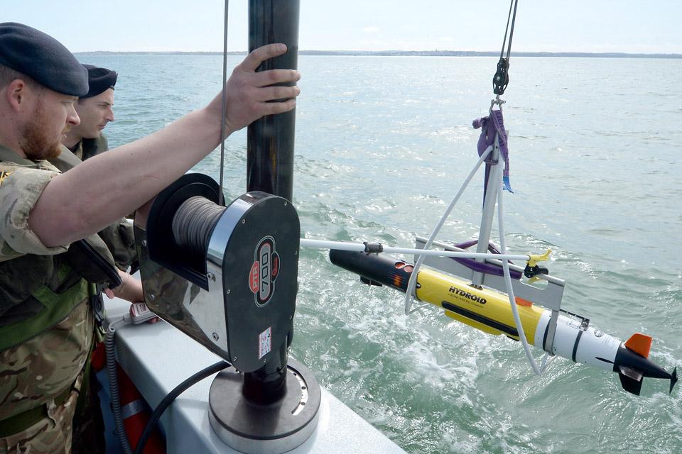 Sailors launch a Remus