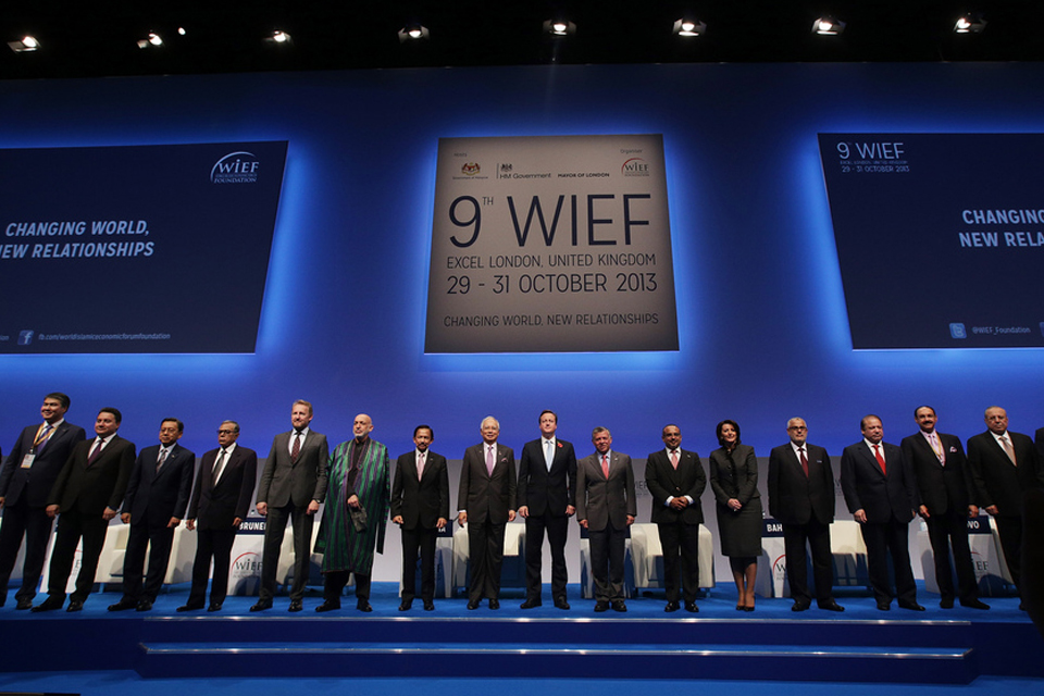 His Majesty the Sultan and other leaders pose for a group photograph during the Opening Ceremony & Leaders Panel at the 9th WIEF.