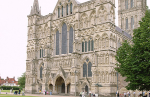 Salisbury Cathedral by Steve Cadman on Flickr