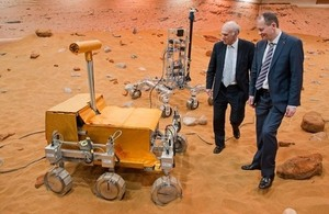 Vince Cable and David Parker view the new Airbus Mars Yard.