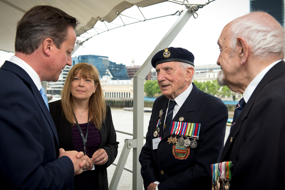 David Cameron meets veterans